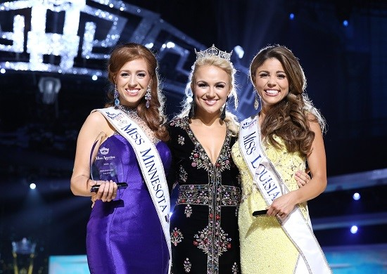 From Left: Miss Minnesota Brianna Drevlow, Miss America 2017 Savvy Shields, and Miss Louisiana Laryssa Bonacquisti (Photo: The Miss America Organization/Bruce V. Boyajian)